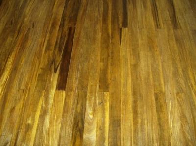 Como limpiar un suelo de madera interesting cmo encerar - Encerar suelo madera ...