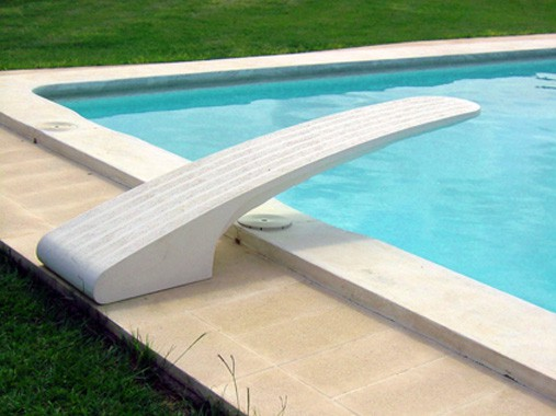 Construya una gran piscina for Drenaje de piscina