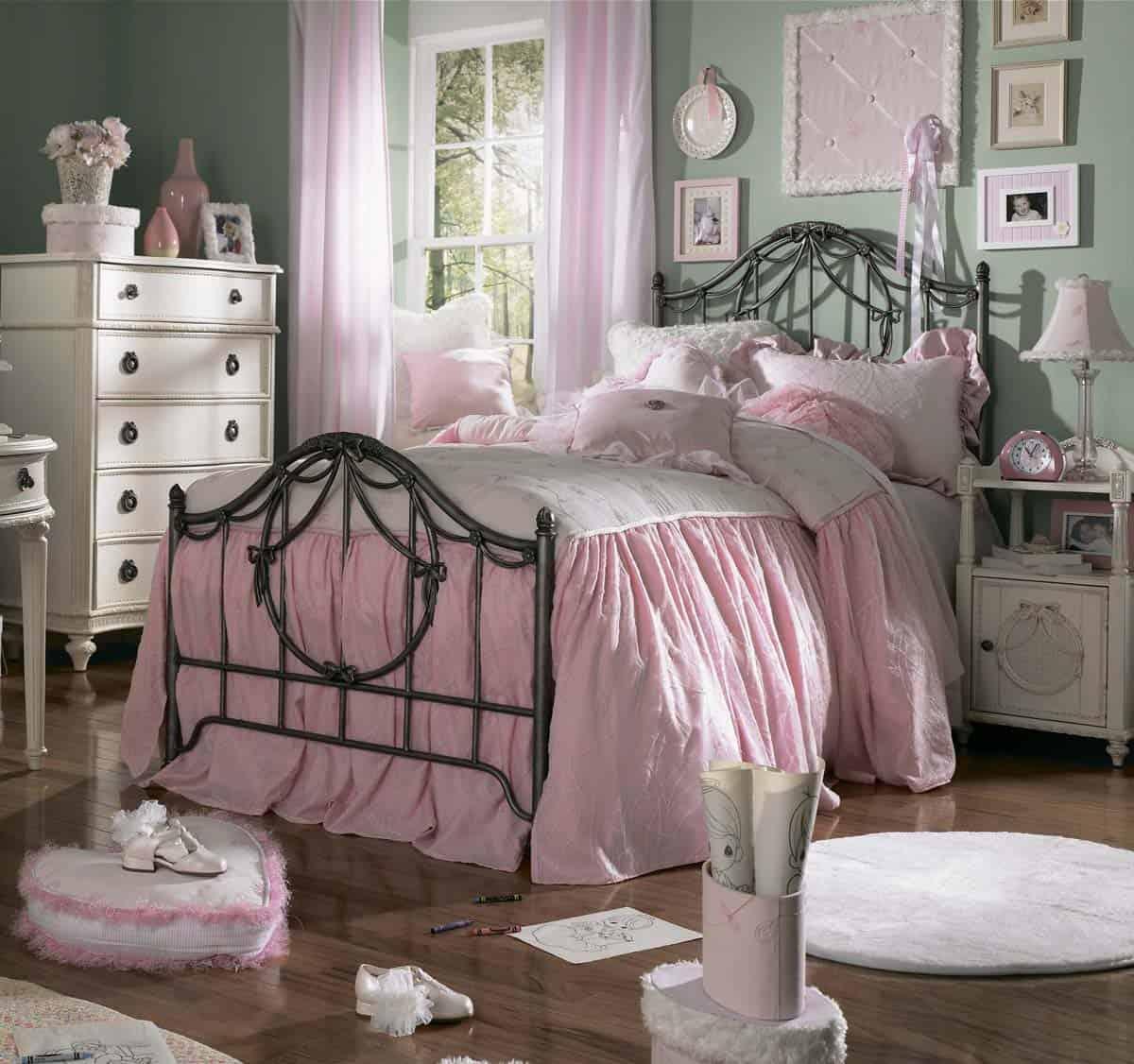 Eligiendo muebles antiguos para el dormitorio visita casas - Muebles estilo antiguo ...