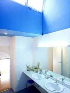 Decoración e iluminación de baños.