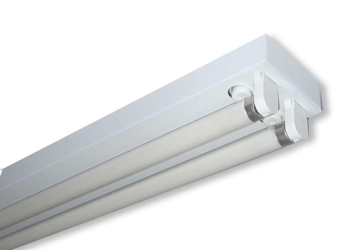Instalando luces fluorecentes en casa visita casas - Lampara tubo fluorescente ...