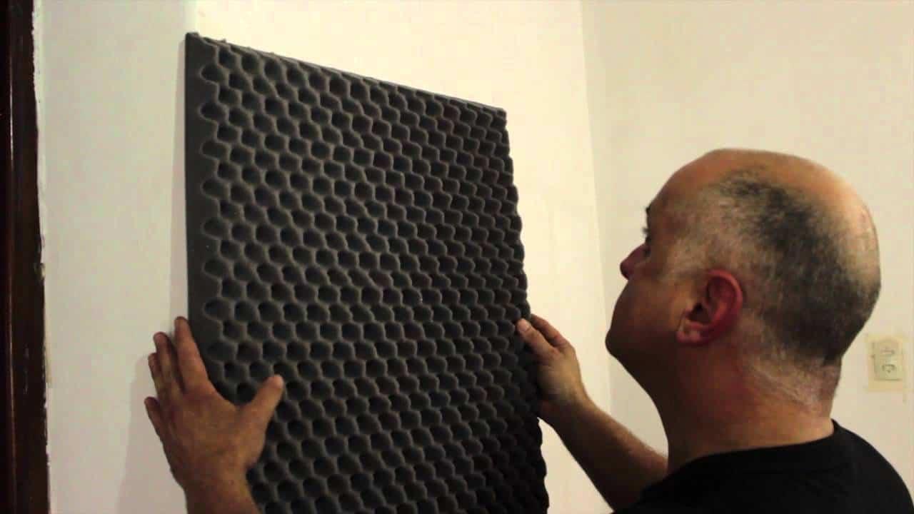 C mo mejora la goma espuma ac stica el ruido del audio - Como aislar una habitacion del ruido ...