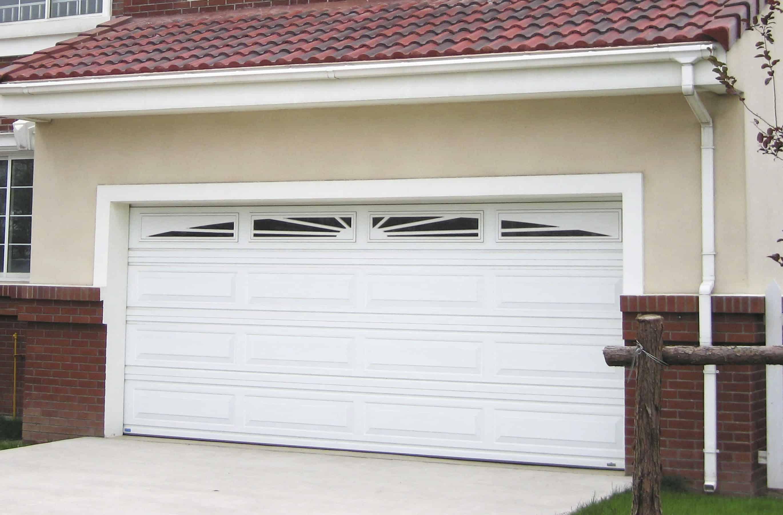 Consejos para comprar una puerta para el garaje visita casas for Puertas automaticas garaje