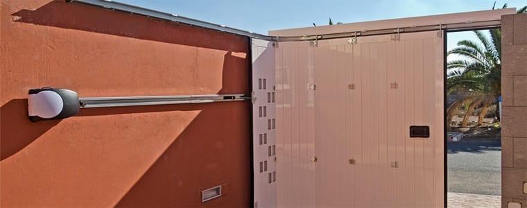 Precausiones de seguridad con la puerta autom tica del - Precio puertas de garaje ...