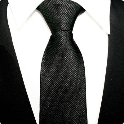 El color negro en los accesorios del vestir