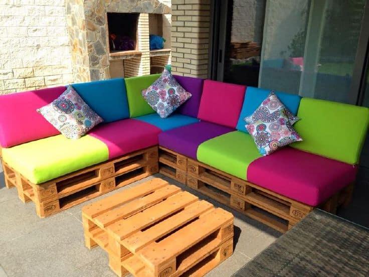 Palets 10 ideas para decorar tu hogar visita casas - Muebles hechos con estibas ...