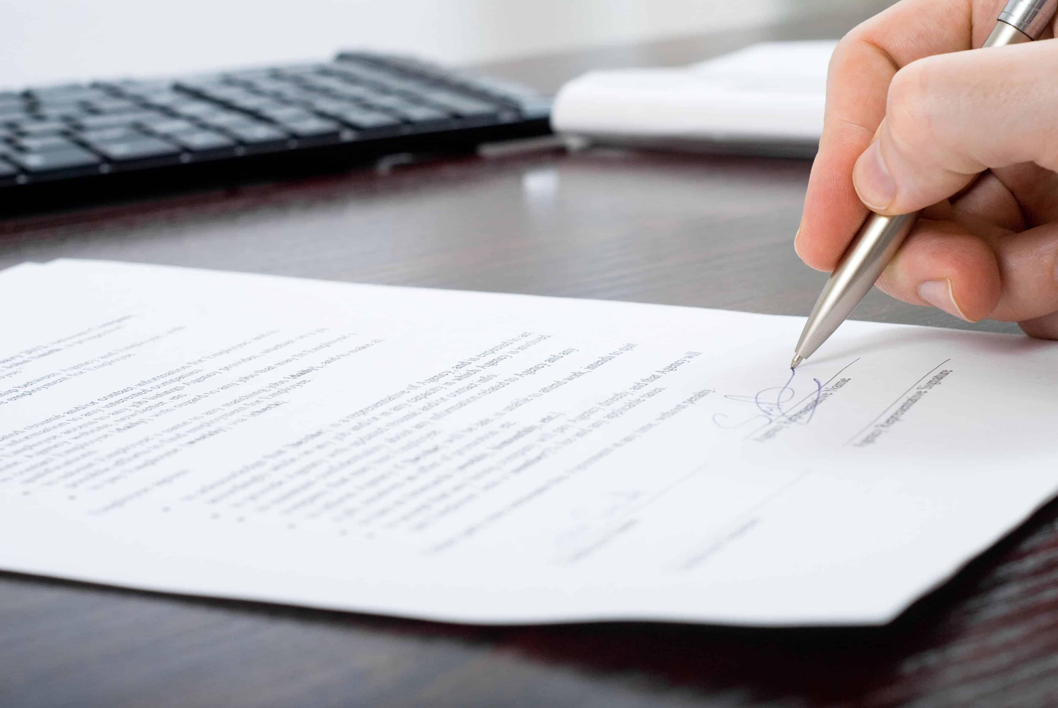 3 contratos modelo para empleadas del hogar for Contrato empleada hogar