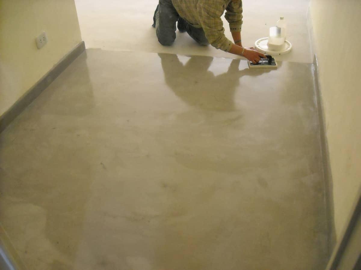 Pisos de cemento alisado c mo repararlo uno mismo - Como hacer brillar el piso de cemento ...