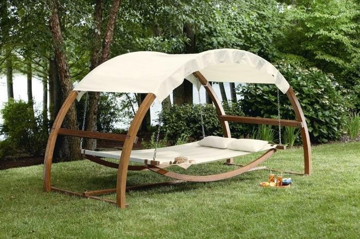 Columpio para jardín: Cómo instalarlo en forma segura - VisitaCasas.com