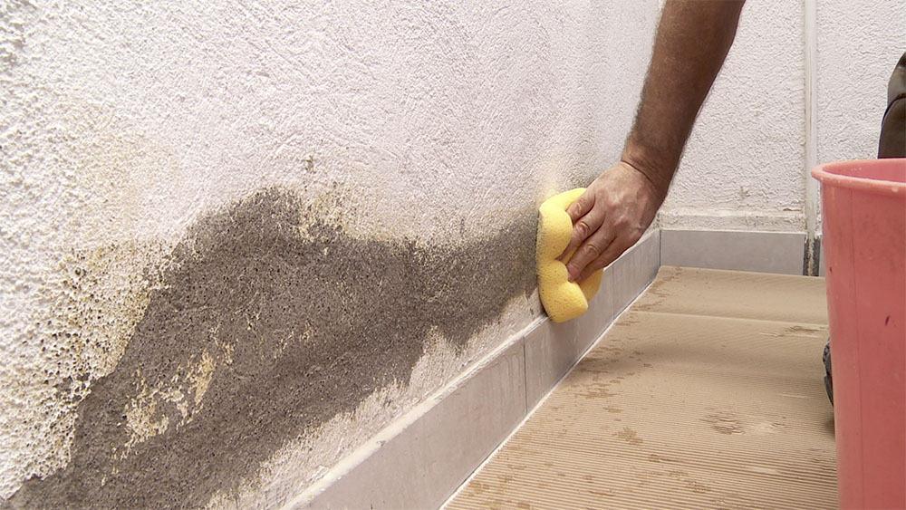 Paredes con humedad 12 probados m todos para solucionarlo for Como tapar la humedad de la pared